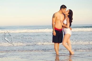 couple on beach, fredericksburg va couple photographer
