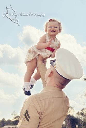 daddy lifting up baby girl, fredericksburg va family photographer