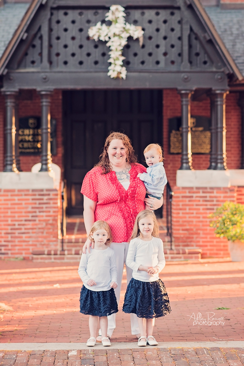 mom and kids standing in front of church in new bern nc