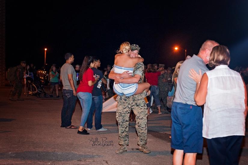 couple reuniting after deployment