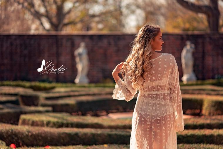 woman standing i ngarden